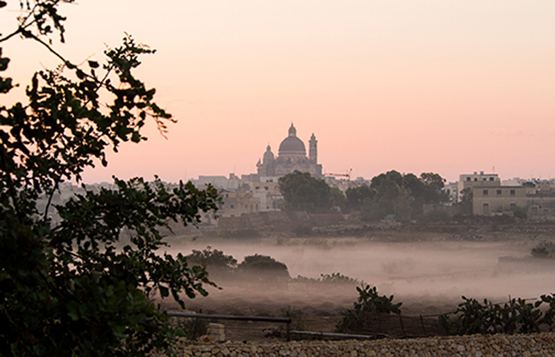 Discover Gozo with its numerous churches, chapels and sanctuaries dotting the island © Pete Bullen