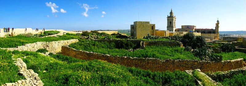 In Victoria (Ir-Rabat), you cannot miss out the Citadel © Peter Vanicsek